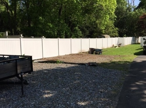 Illusions vinyl fence - 6 foot tall in Classic White